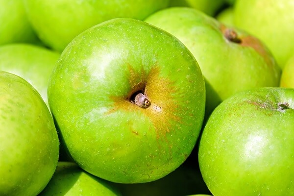 Apples | Foods That Store Well in Root Cellars