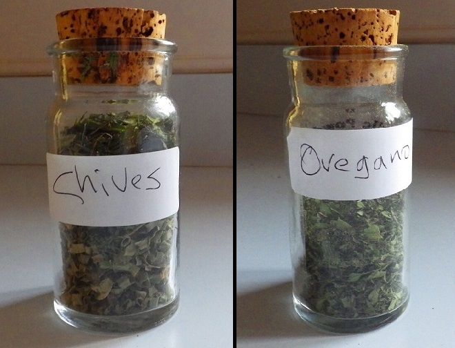 Herb Storage Chives & Oregano