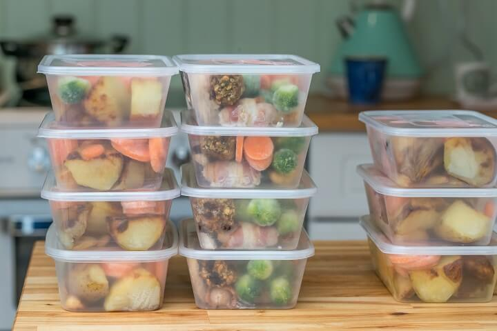 Meal Prepping in Containers