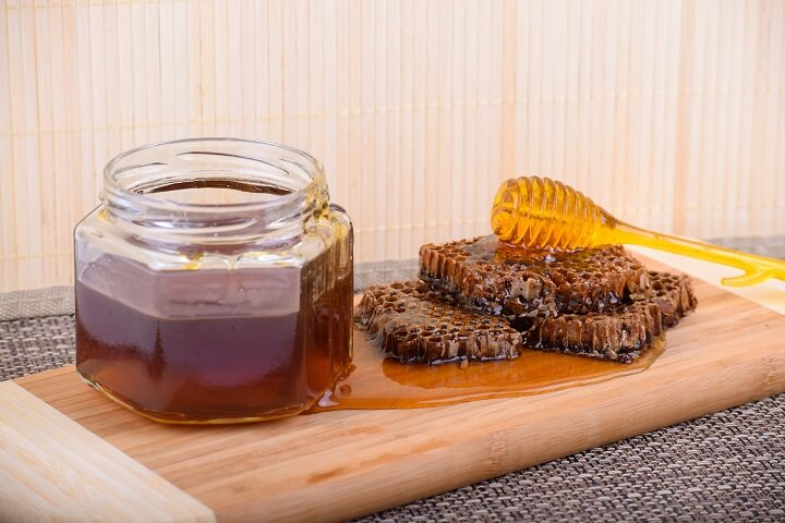 Raw Honey and Honeycomb